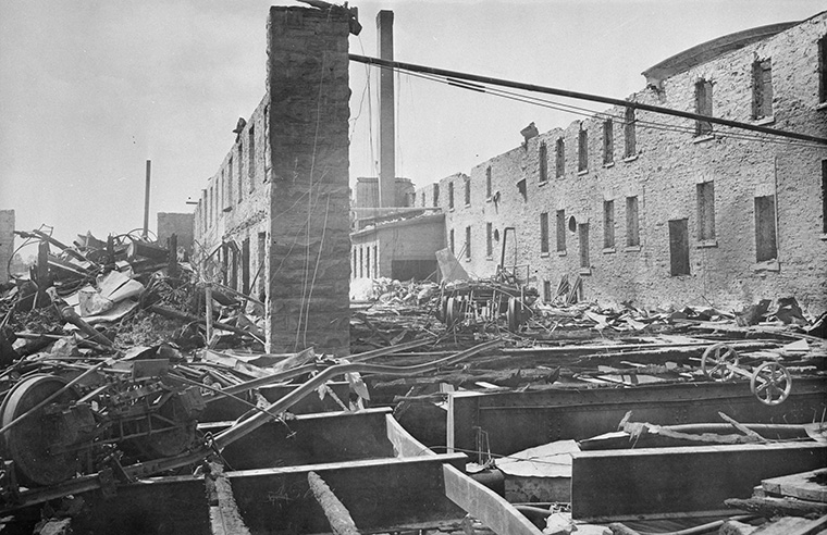 Interior of Eddy's Mill after the Hull-Ottawa Fire of 1900. The Booth buildings are the only ones that survived. Photo credit: Library and Archives Canada.